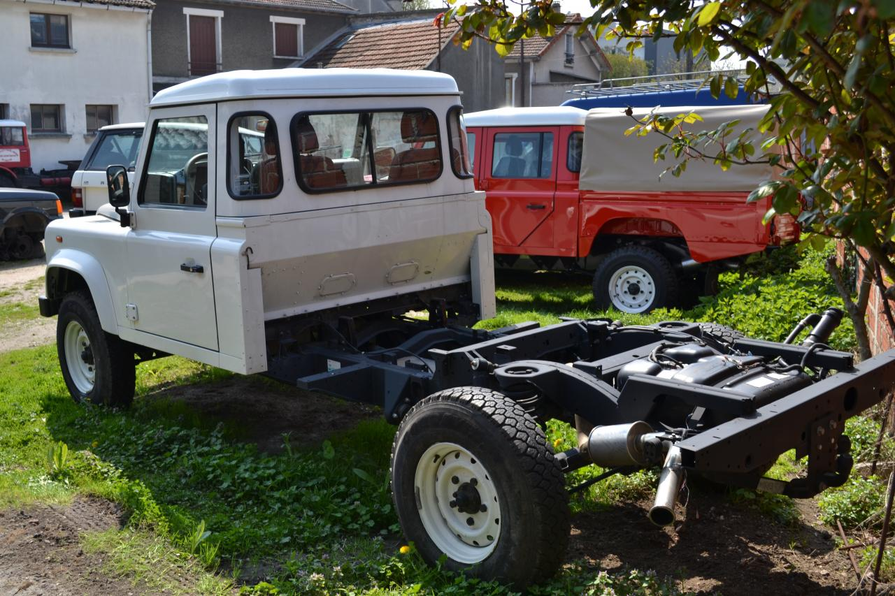 Defender Chassis Cabine on Land Rover Discovery Suspension